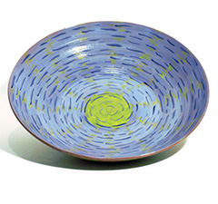 Bowl, blue, green, dashed lines